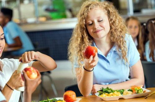 Розвантажувальні дні: необхідність після переїдання на свята