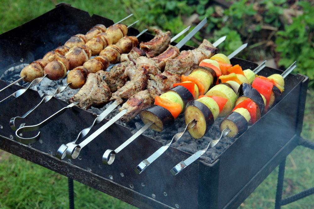 Овочевий шашлик або овочі на мангалі