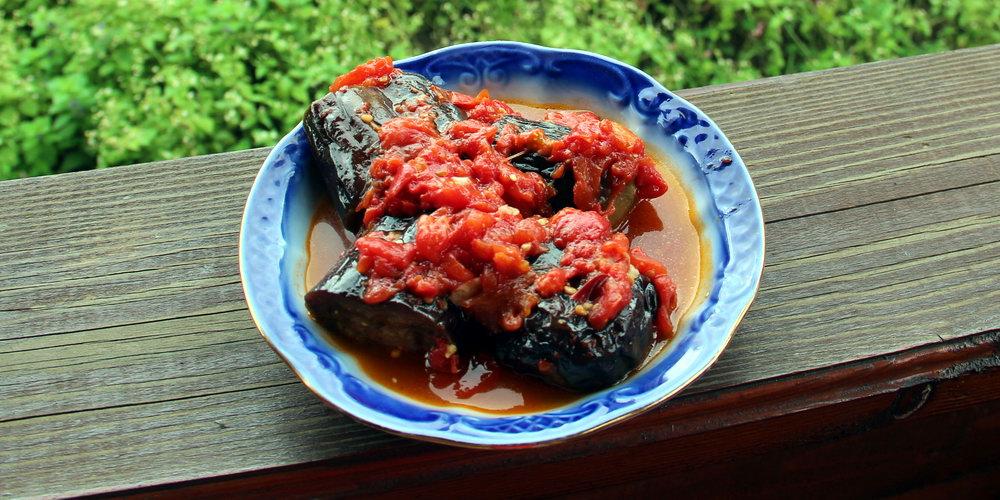 баклажани у помідорному соусі