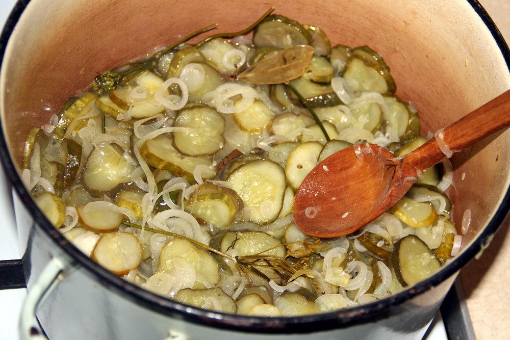 Як приготувати салат «Ніжинський»